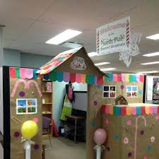 Funny Christmas Cubicle Decorating Ideas by Christmas Door Decorating Themes For Office Holiday Decorating