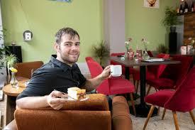 hier lebt die ddr wieder auf walters café lockt nostalgiker