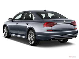 2017 Volkswagen Passat Angular Front