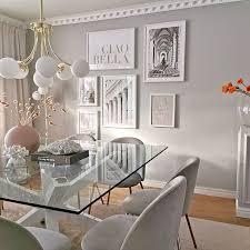 stilvolles esszimmer bilderwand beige küchenposter