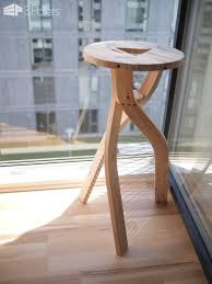 Design Stool From Shipping Pallet Wood O 1001 Pallets