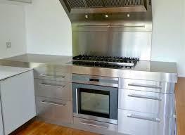 cuisine inox sur mesure évier mobilier table crédence plan de