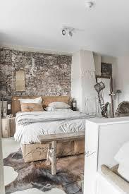 22 Warm Industrial Bedrooms