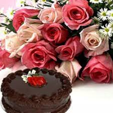 Bunch of 12 Pink Roses with 0 5 Kg Chocolate cake