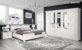 schlafzimmer mit großem kleiderschrank kleine wohnung