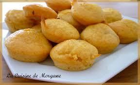 dessert a base de compote de pommes cake moelleux à la compote sans oeufs ni lait la cuisine de morgane