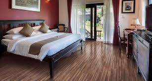 Installing Pergo Laminate Flooring On Stairs by Lowes Laminate U0026 Hardwood Flooring Buy Pergo At Lowes Pergo