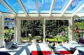 moderner wintergarten als wohnzimmer skandinavisch