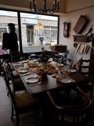 café wohnzimmer ein schönes frühstück mit freunden im