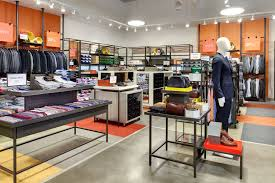 Outlet stores in Chicago for discount clothes and furniture