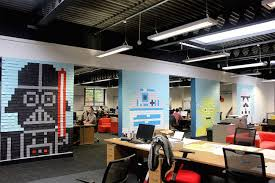Cubicle Decoration Ideas For Engineers Day by 22 Amazing Sticky Notes Works Of Art For Your Wall