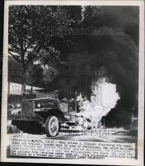1949 Press Photo Fertilizer Truck Caught Fire - Ned96572 | Historic ... C Equipment Sales New And Used Ftilizer Spreaders Sprayers Trucks 2002 Terragator Spreader Floater Truck Chandler Ftlexw Lime Mount Truck Stock Image Image Of Summer Garden 2368747 Tenders Rayman Inc Bulk Wwarrenadamtruckscom Cps Real Estate Auction The Wendt Group Calibration Dry Applicators Uga Cooperative Applying Loral Products Leader Crop Nutrient