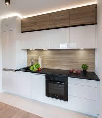 plan cuisine granit armoires blanches push open et plan de travail cuisine en granit