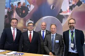 ligna 2015 woodworking show in germany drew 96 000 visitors