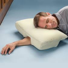 The Arm Sleeper s Pillow Hammacher Schlemmer