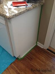 Thermofoil Cabinet Doors Peeling by Painting Thermofoil Cabinets With Annie Sloan Part 1 Farm Fresh