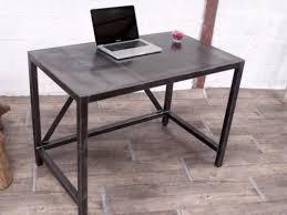 bureau m騁allique industriel table bureau métal meuble de style industriel bois et acier sur
