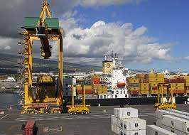 le port la reunion port de la réunion c est 4330 emplois et 2 miliards d euros de