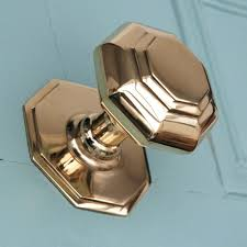 Decore Ative Specialties Door Profiles by I Don U0027t Normally Like Brass Door Knobs But I Like This One Home