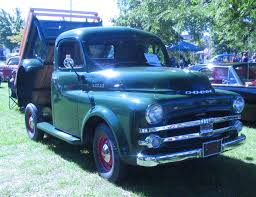 File:'52 Dodge Pickup (Auto Classique Salaberry-De-Valleyfield '11 ...