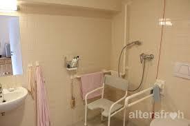 bodengleicher dusche und wc ausgestattet altersfroh