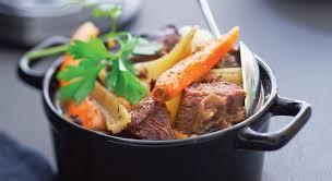 un plat exquis un pot au feu en cocotte