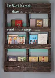 pallet bookshelf 19 More Kids Room Ideas