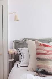 7 nachttisch ideen für kleine schlafzimmer