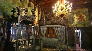 قصر نويشفانشتاين الألماني أكثر القصور زيارة في أوروبا جميع