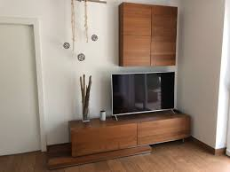 wohnzimmer möbel sideboard würfel nussbaum