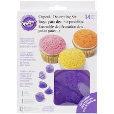 Wilton Decorator Preferred Fondant Uk by Wilton Fondant Cup Cake Decorating Set Sugarcraft Pattern Design