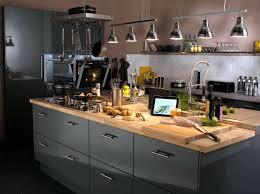 eclairage cuisine plafond eclairage spot cuisine tout savoir sur galerie et eclairage cuisine