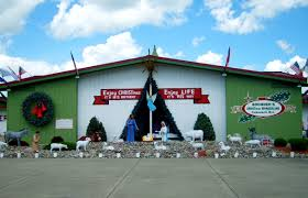 Christmas Tree Shop Brick Nj by 18 Things You Didn U0027t Know About Bronner U0027s U2013 The World U0027s Largest