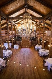 80 Creative Indoor Barn For Rustic Wedding Decor 1