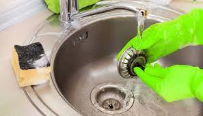küchenabfluss reinigen verstopfter abfluss abflussreiniger