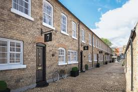 100 Mews Houses Backstreet Chic Authenticlook New Mews Houses On Cobbled