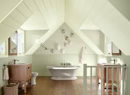 idées pour aménager une salle de bain sous combles habitatpresto