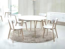 ensemble table chaises table chaise scandinave chaise scandinave blanc et bois salon deco