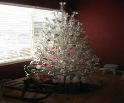 Rotating Color Wheel For Aluminum Christmas Tree by Aluminum Christmas Tree S Bedroom House Plans