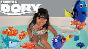 disney finding dory mega surprise 7 toys dory nemo bath toys robo