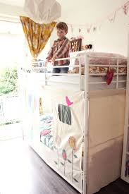 Twin Bed Tent Topper by Best 25 Bunk Bed Tent Ideas On Pinterest Bunk Bed Canopies