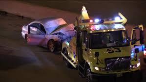 100 Tow Truck Accident 2 Injured In Dan Ryan Tow Truck Crash Abc7chicagocom