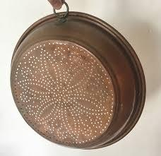 passoire de cuisine grande passoire cuivre copper anneau trous déco écumoire cuisine