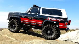 RC ADVENTURES - Vaterra Ascender 4x4 Chevy K5 Blazer RC Trail Truck - On  The Rocks