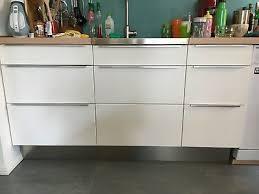 ikea faktum küchenzeile küche in weiß mit edelstahlgriffen