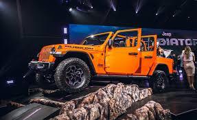 100 4 Door Jeep Truck 2020 Gladiator Pickup JT A WranglerBased MidSize