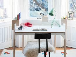 bureau d ado 5 façons d aménager un coin bureau dans une chambre d ado