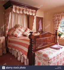 landhausstil schlafzimmer gardinen caseconrad