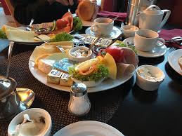 restaurant kritik klatsch palais neumünster sarahs bunte