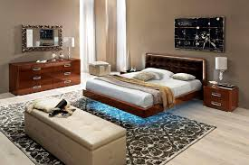 How To Decorate A Small Bedroom With Queen Bed